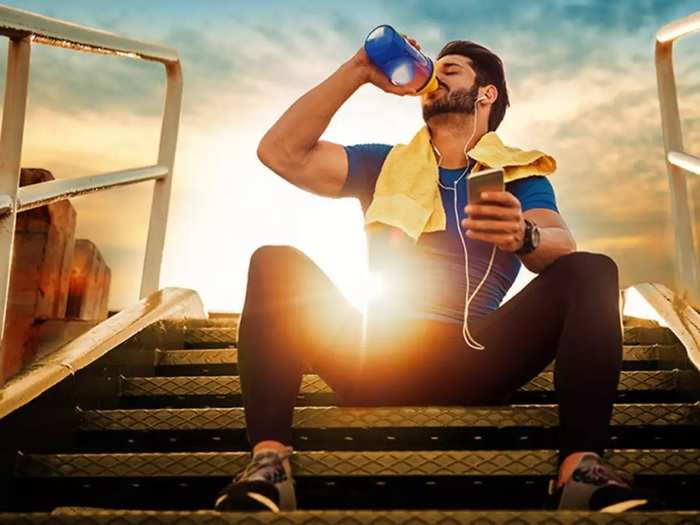 do not ignore these things while doing exercise in summer season and look out for warning signs