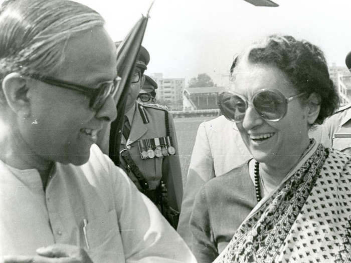 how five time west bengal chief minister jyoti basu led cpm fought with congress west bengal assembly election