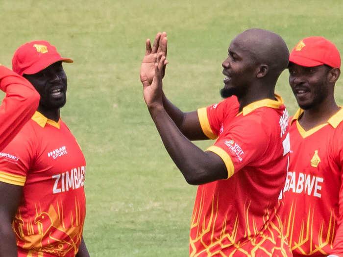 ZIM vs PAK T20I: T20 क्रिकेट में जिम्बाब्वे से पहली बार हारा पाकिस्तान, बाबर आजम भी नहीं दिला सके जीत, ल्यूज जॉन्गवे छाए