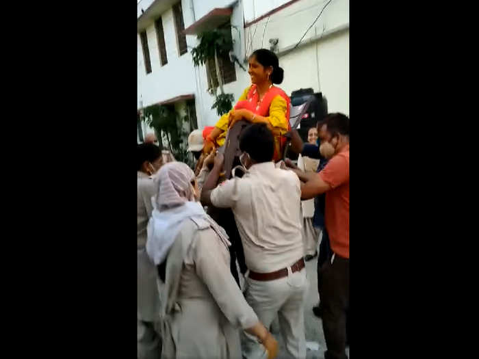 Rajasthan constable holds her haldi at police station