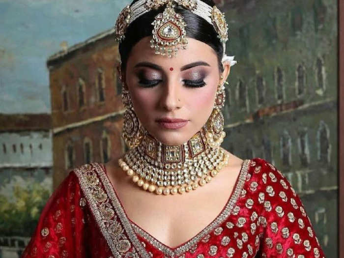 beautiful sabyasachi mukherjee bridal lehengas will make you forget about anushka sharma and priyanka chopra wedding looks