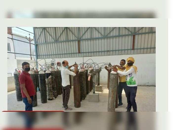 Gorakhpur News: गोरखपुर में लिक्विड ऑक्सिजन खत्म होने से उत्पादन ठप, परेशान हो रहे लोग