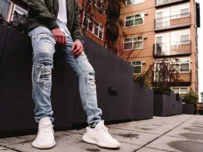 Jeans: अब लाएं अपने लुक में नया क्रिस्प, 58% तक के डिस्काउंट पर खरीदें स्टाइलिश Jeans