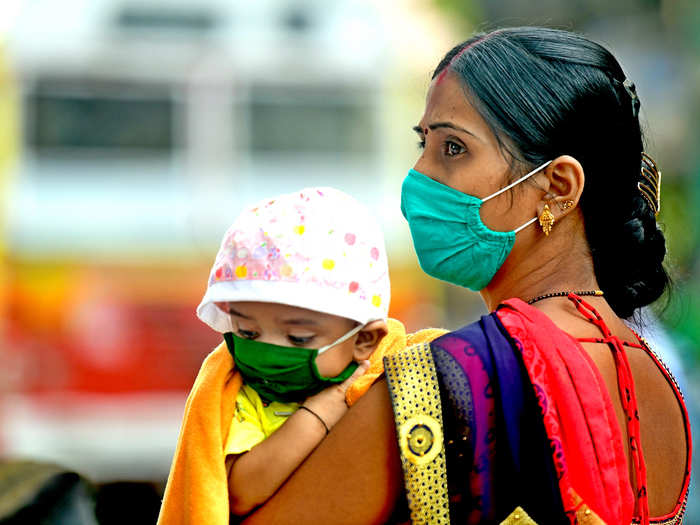covid second wave in india why govt saying wearing mask at home is important