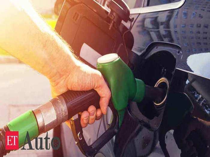 लगातार 16वें दिन भी पेट्रोल डीजल के दाम रहे स्थिर (File Photo)
