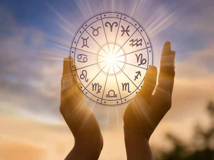 Daily horoscope 02 may 2021 : चंद्र व मंगळाचा शुभ संयोग या राशींसाठी लाभदायक दिवस