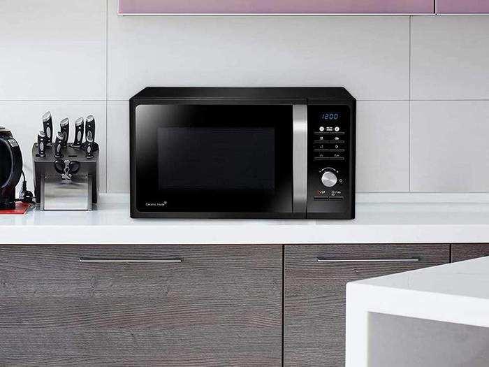 बेकिंग, ग्रिलिंगऔर कुकिंग करने वाले Microwave Oven, कीमत 3,249 रुपए से शुरू