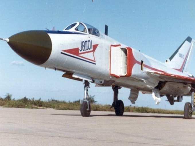 China J-8 Fighter Jet 02