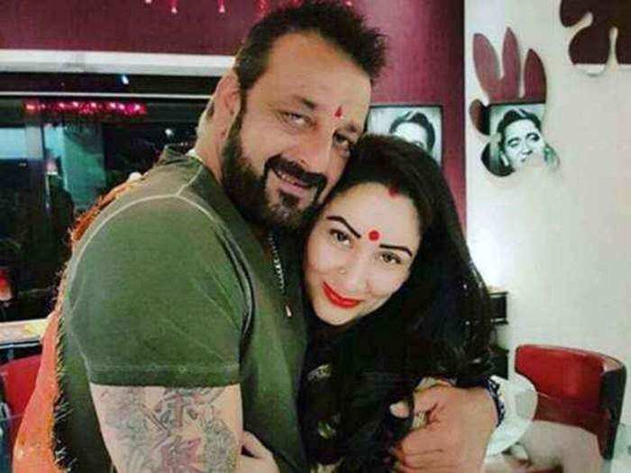manyata dutt answers on being control sanjay dutt life after marriage in marathi