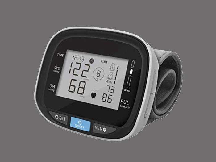 डिजिटल Blood Pressure Monitor हैवी डिस्काउंट पर खरीदें, घर बैठे जांचे ब्लड