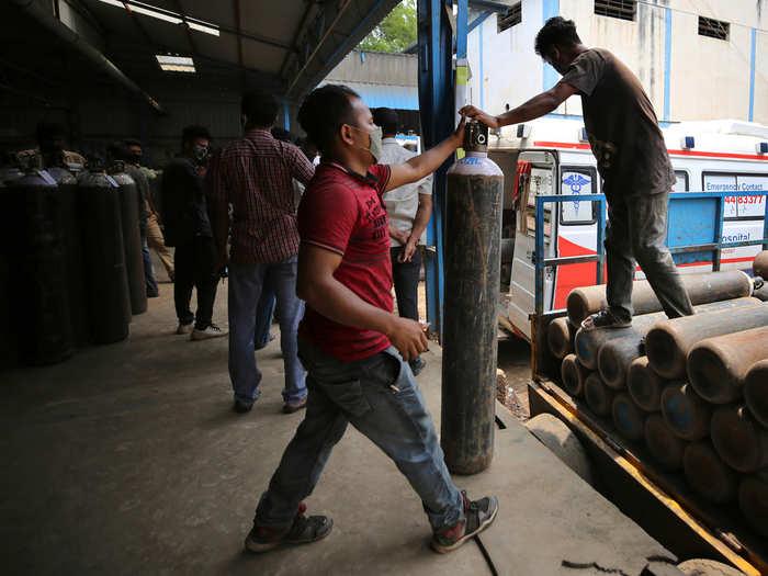 कर्नाटकने सांगली, कोल्हापूर जिल्ह्याचा ऑक्सिजन पुरवठा थांबवला