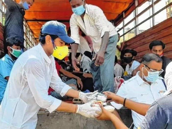 Laxmi Ratan Shukla Donation: लक्ष्मीरत्न शुक्ला कोरोना के खिलाफ जंग में आए आगे, आईपीएल से हुई कमाई को किया दान