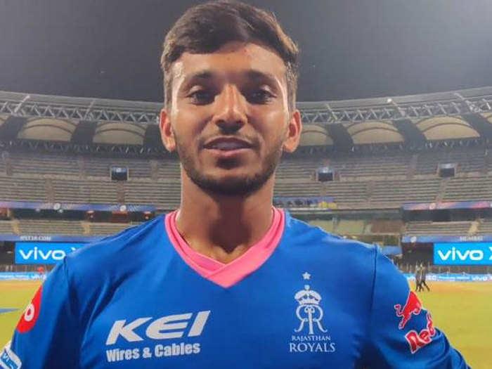 Chetan Sakariya Father Covid-19 treatment: चेतन सकारिया के लिए आईपीएल बना मसीहा, मिले पैसे से कर रहे कोरोना पीड़ित पिता का इलाज