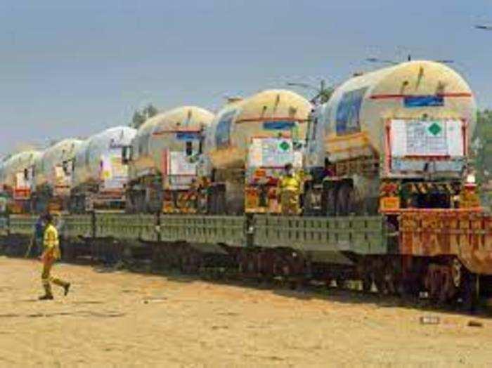 रेलवे अब तक 47 ऑक्सिजन एक्सप्रेस चला चुका है।
