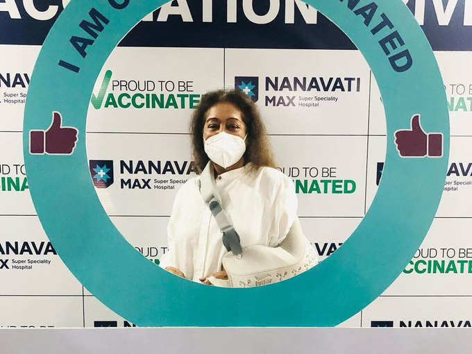 On Friday, Kiran Kher arrived to get her second dose of vaccine