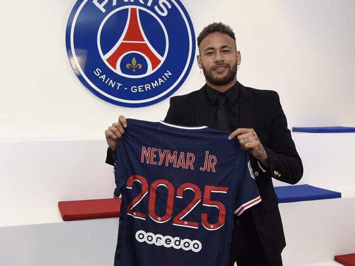 Neymar £104 million New Contract At PSG: नेमार ने 2025 तक किया पीएसजी से करार, हर सीजन मिलेंगे टीम इंडिया की सैलरी से 3 गुना अधिक पैसे
