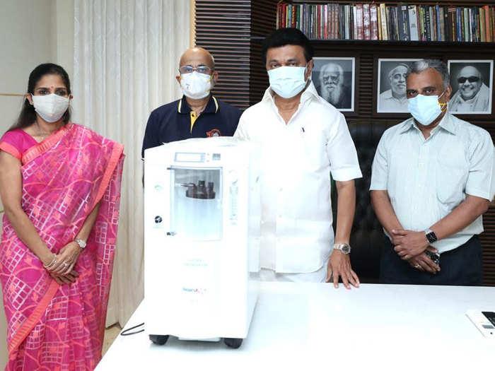 कोरोना वायरस महामारी में मसीहा बनी धोनी की टीम सीएसके, तमिलनाडु में 450 ऑक्सीजन कंसेंट्रेटर्स किया दान