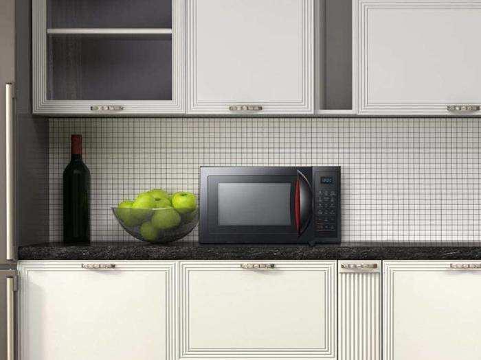 रोजाना घर पर ट्राई करें नयी रेसिपीज इन Microwave Ovens में, 30% तक के डिस्काउंट पर खरीदें