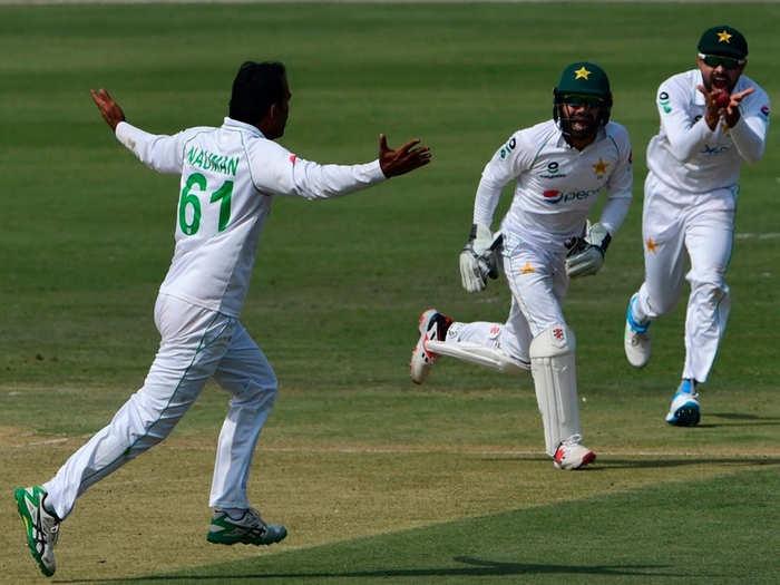 ZIM vs PAK 2nd Test: पाक जीत से एक विकेट दूर, जिम्बाब्वे ने तीसरे दिन हार टाली