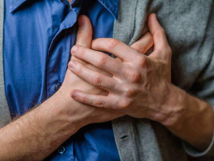 is chest pain a symptom of covid-19 is it concerning for a patient heres what you should know