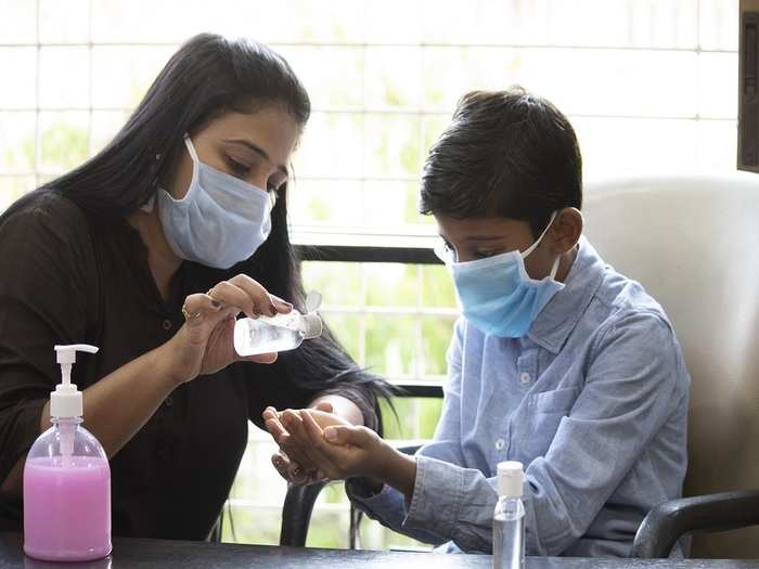 hand sanitizer effects on kids in hindi