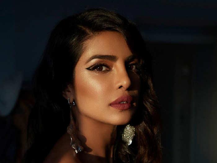 priyanka chopra looks mesmerizing in white attire in latest insta pic