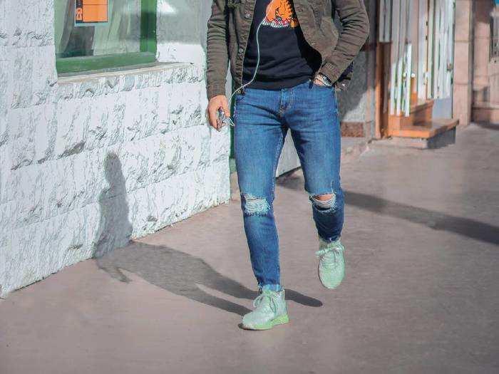 Jeans: 70% के डिस्काउंट पर करें खुलकर शॉपिंग, खरीदें ये स्टाइलिश Jeans