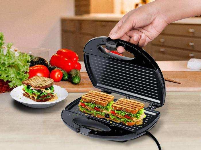इन Sandwich Maker से मिनटों में बन जाएगा कुरकुरा और टेस्टी सैंडविच, डिस्काउंट पर खरीदें