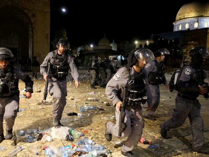 मस्जिद में हुई हिंसा