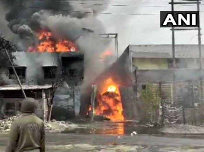 Massive Fire broke out in Ghaziabad