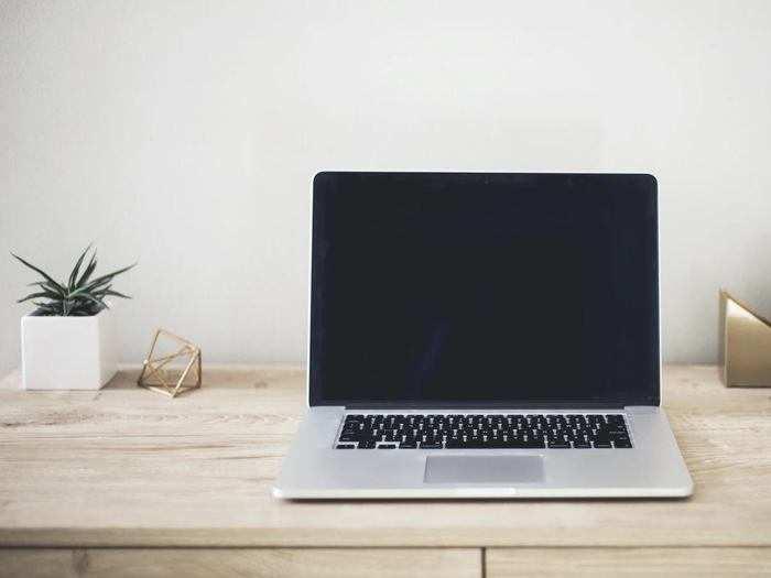 Budget Laptops: भारी डिस्काउंट के साथ खरीदें बढ़िया फीचर्स और लेटेस्ट कॉन्फिगरेशन वाले Laptop
