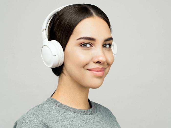 Bluetooth Headphones : वायरलेस Headphones पर मिल रही है 25% तक की छूट, जल्द करें ऑर्डर