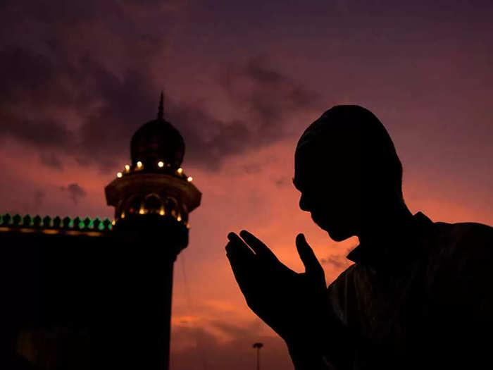 आज चंद्रदर्शन झाले नाही; शुक्रवारी साजरी होणार रमजान ईद