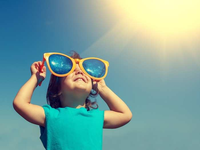 common infections that can occur in summer in kids in hindi