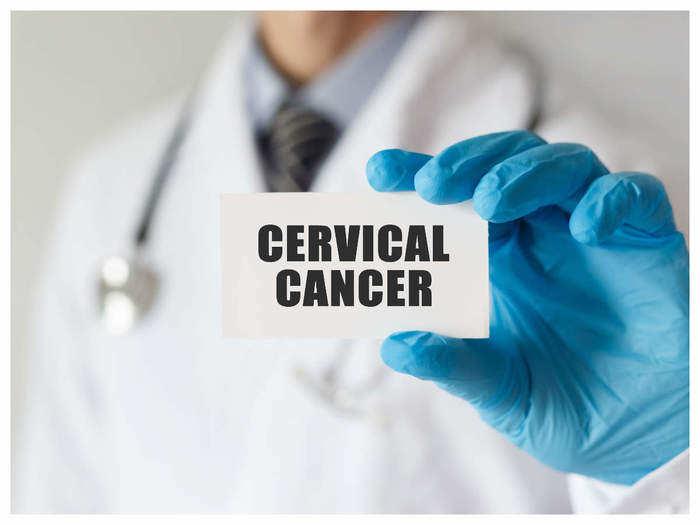 योनीमार्ग व गर्भपिशवीला जोडणा-या ग्रीवा कर्करोगाची लक्षणे व उपाय जाणून घ्या डॉ. प्राजक्ता बरडेंकडून!