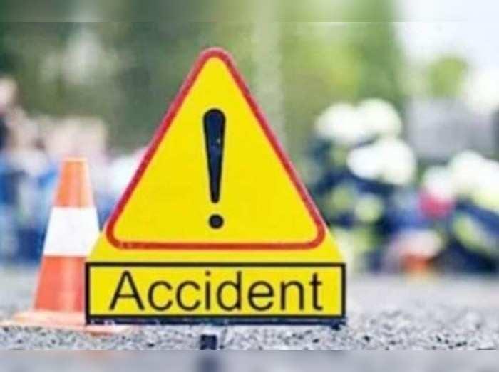 Bihar Crime News: सीतामढ़ी में दर्दनाक हादसा, स्कॉर्पियो की टक्कर से मां-बेटे की मौत, बेटी गंभीर रूप से घायल