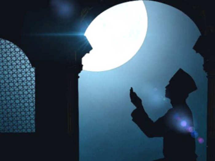 ईदचा चंद्र कधी येईल, जाणून घ्या चंद्र दर्शनाची वेळ