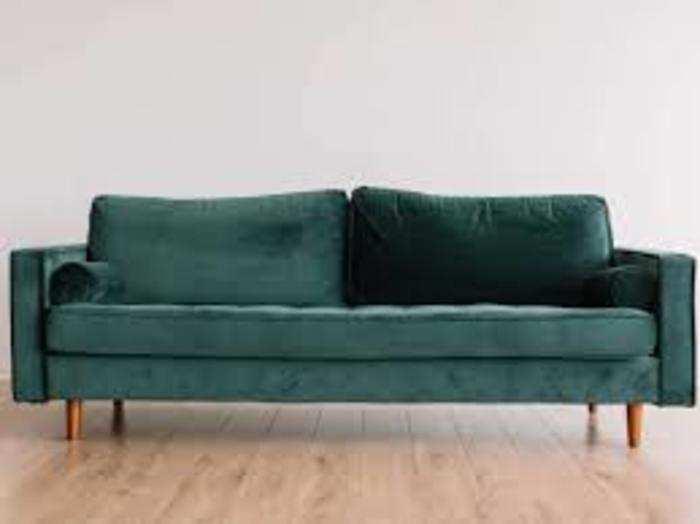 कोरोना काल में देश में फर्नीचर खासकर सोफा की बिक्री बढ़ गई है।
