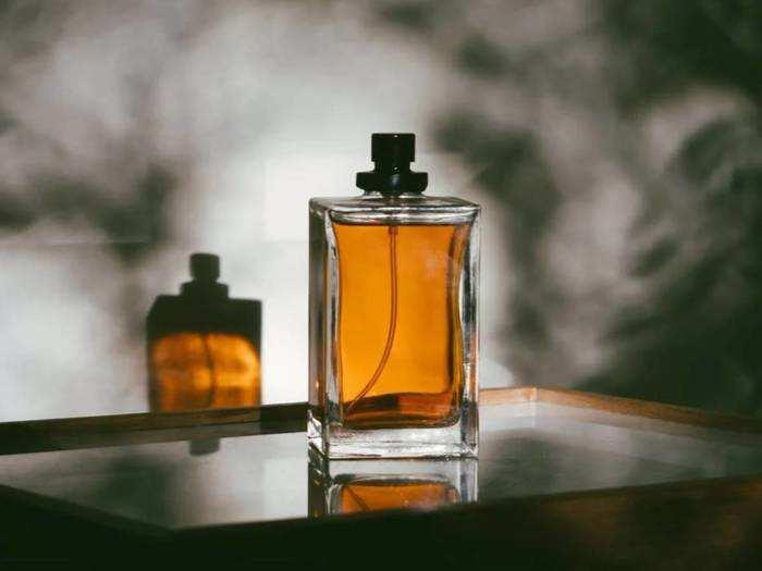 Mens Grooming : मनमोहक फ्रेग्रेंस वाले इन Perfumes की खरीद पर करें भारी बचत