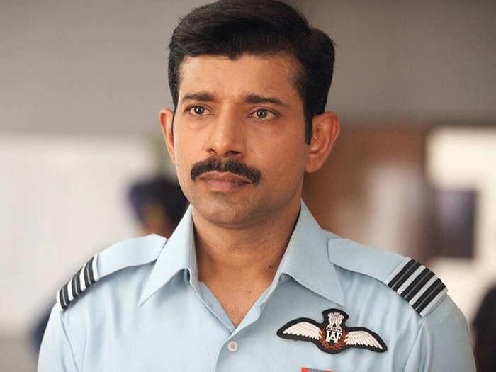 खुद हुआ कोरोना, फिर लोगों की मदद को उतरे विनीत कुमार सिंह, बोले- अब दिन-रात पता नहीं चलता