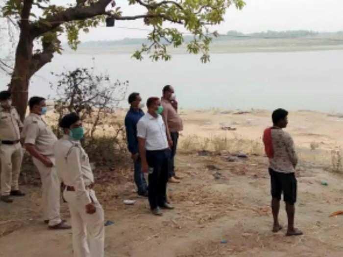 Dead Bodies in Ganga