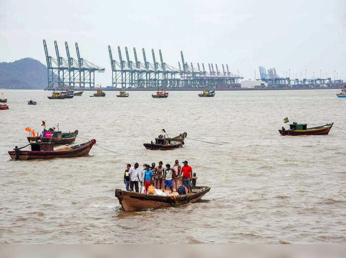 Navi Mumbai: Fishing boats anchored due to cyclone Tauktae alert, at Mora Jetty ...