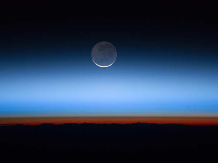 contracting stratosphere layer of atmosphere to cause troubles to low orbit satellite