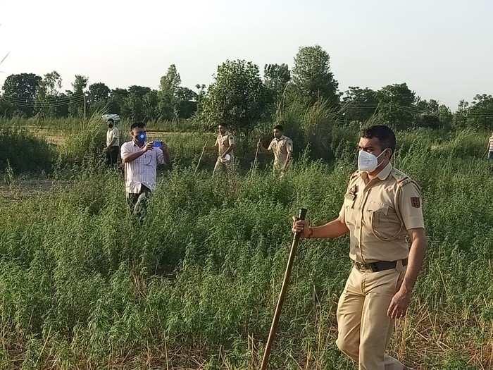 Jammu Kashmir News: पाक ने ड्रोन से हरकतों को किया तेज, आईबी पर बढ़ाई गई सुरक्षा