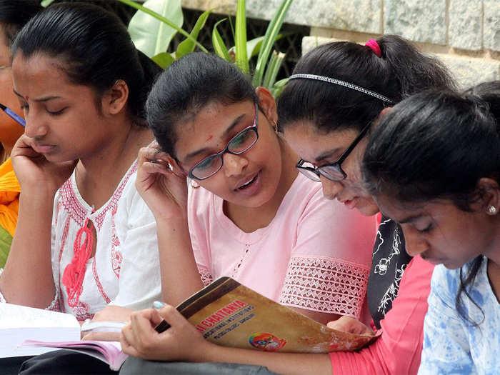 CBSE दहावीचा निकाल रखडणार; शाळांना गुण जमा करण्यासाठी दिली मुदतवाढ