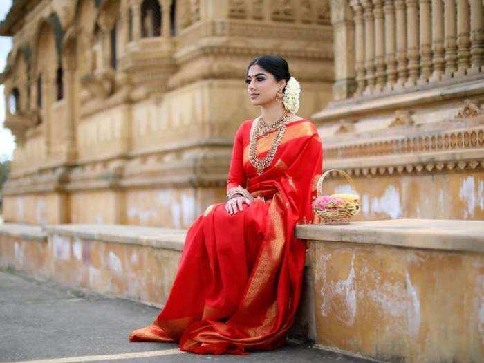 Saree Under 3000 : इन Red Saree में आप लगेंगी सबसे ज्यादा खूबसूरत, 50% तक डिस्काउंट पर खरीदें