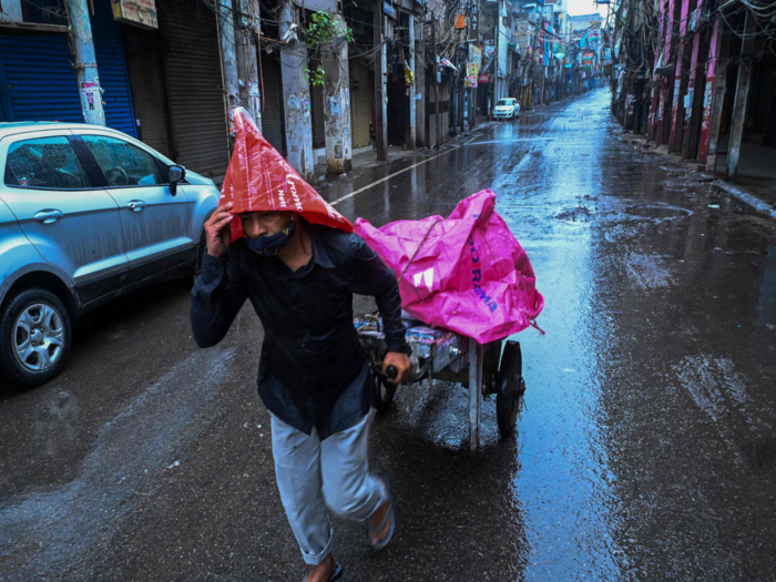 delhi ncr weather latest update orange alert mausam and raining photos and all you need about to know