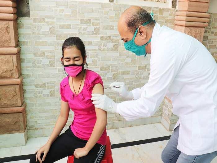 why children need covid vaccine in hindi