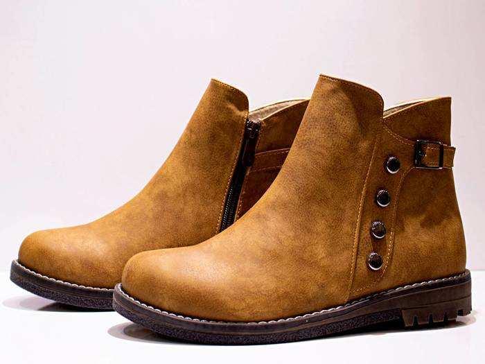 Men'S Footwear : फॉर्मल या कैजुअल सभी आउटफिट के साथ पेयर हो सकते हैं ये Casual Shoes