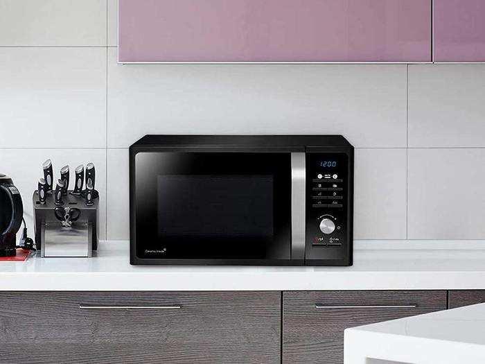 ऑयल फ्री फूड तैयार करने के लिए खरीदें Microwave Oven, हैवी डिस्काउंट का फायदा उठाएं